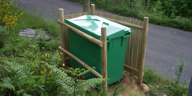 cache-conteneur-ordures-menageres