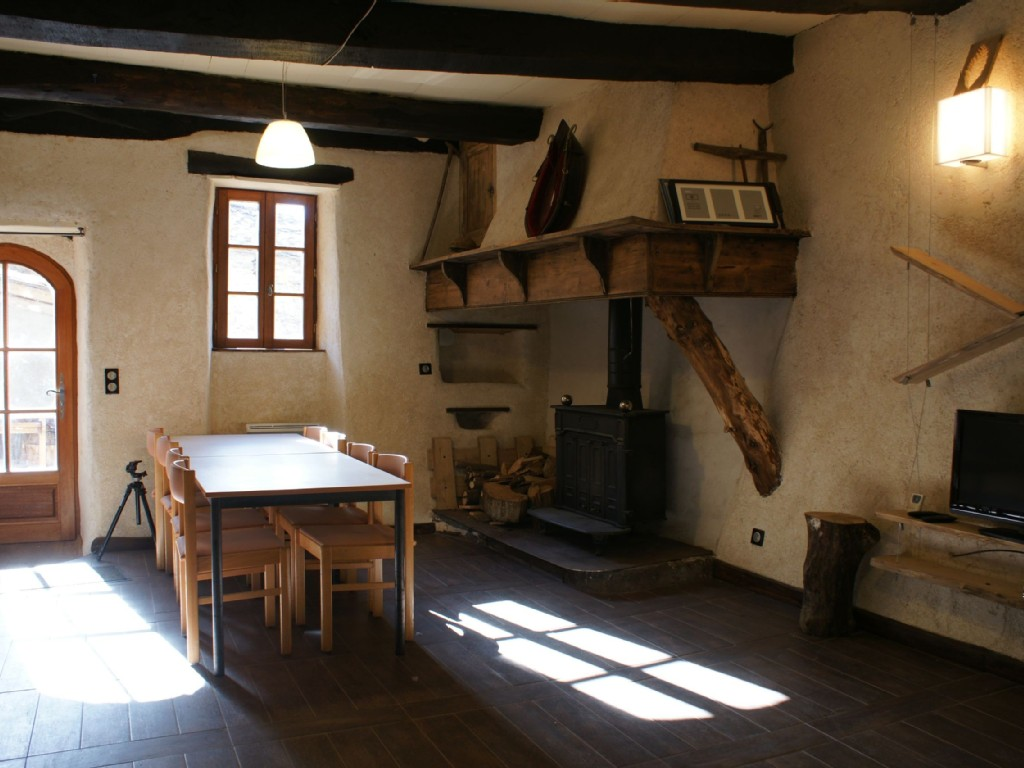 la goutte i atelier chaters n. Black Bedroom Furniture Sets. Home Design Ideas
