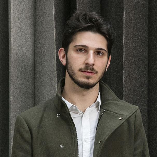 Portrait Luigi Priolo - Carrée 800
